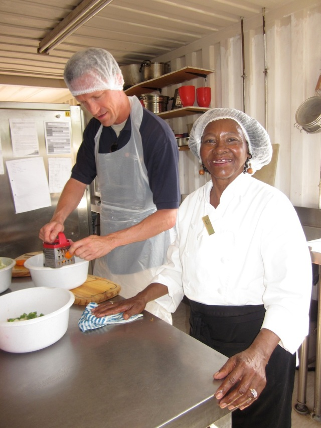 EZIKO LOVELY PIC LINDY COOKING CLASS